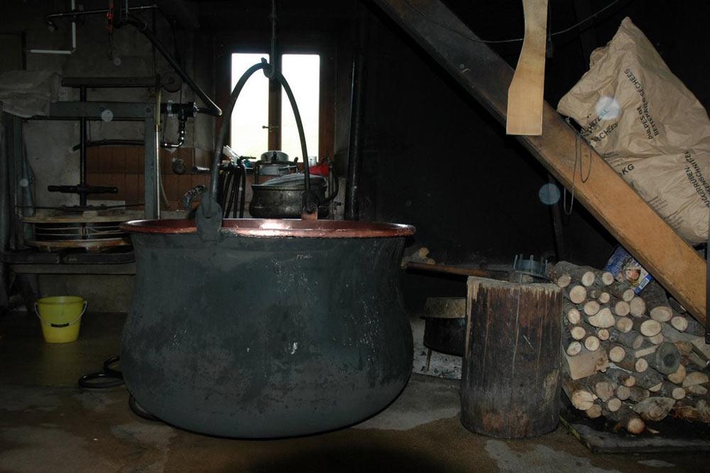 Chaudron pour la fabrication du fromage