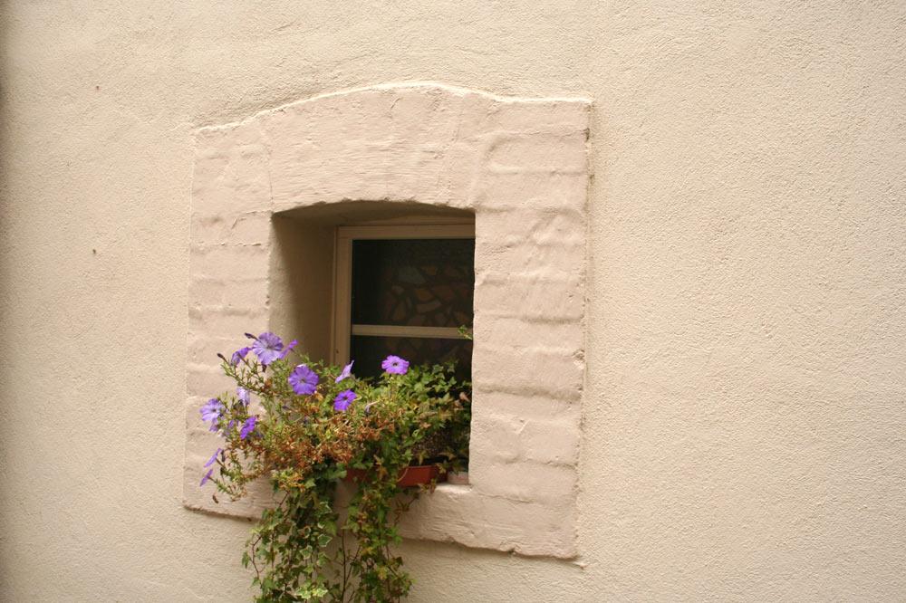 Fenêtre dans la vielle ville de Delémont