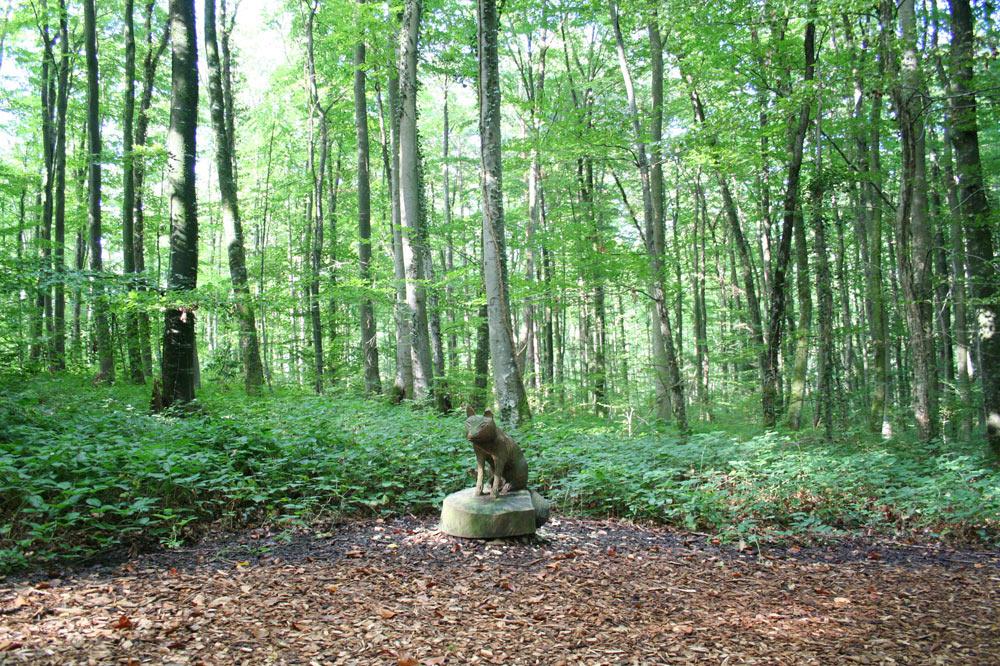 Sculpture dans la forêt enchantée