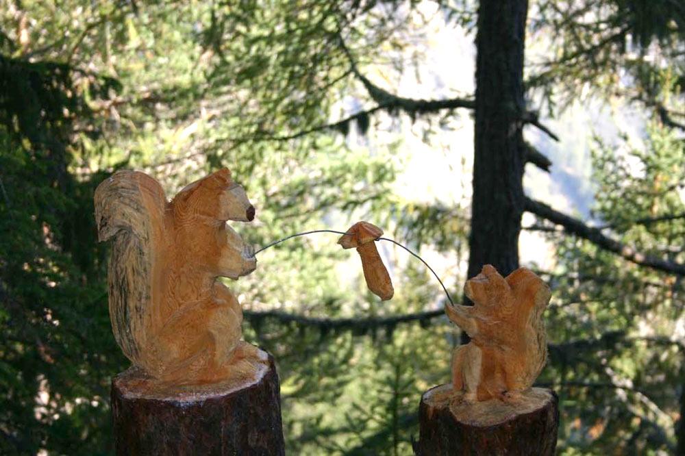 Ecureuils, sculpture de W. Besse