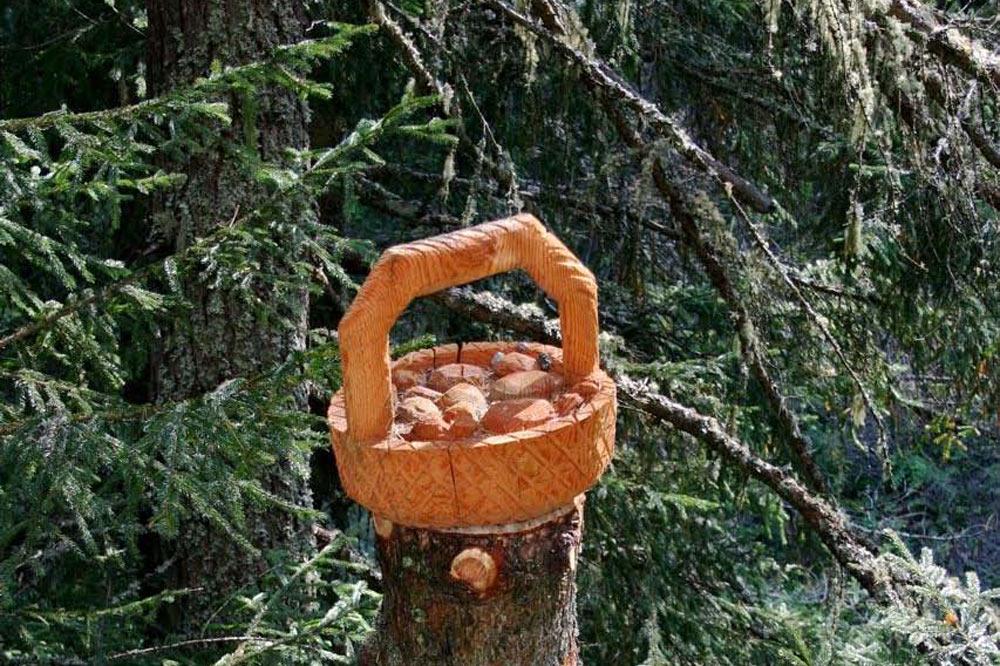 Panier de champignons, sculpture de W. Besse