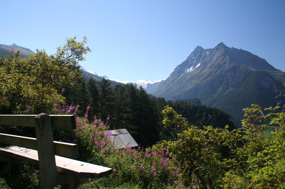Banc avec vue sur le Haut Val d'Hérens