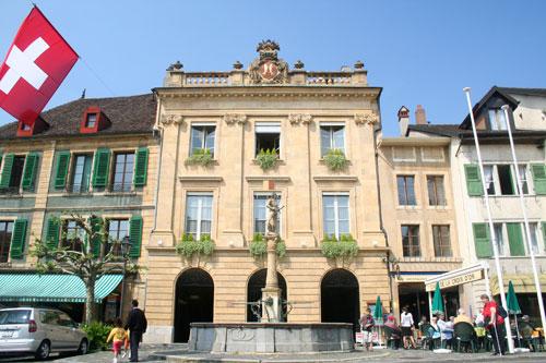 Place du Marché et Hôtel de Ville