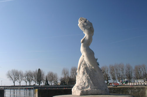 Statue sur les quais d'Ouchy